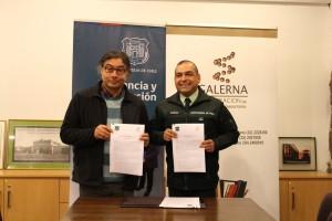 Javier Rodriguez Director Ejecutivo ONG Galerna y Coronel Miuñoz Representante Gendarmería de Chile